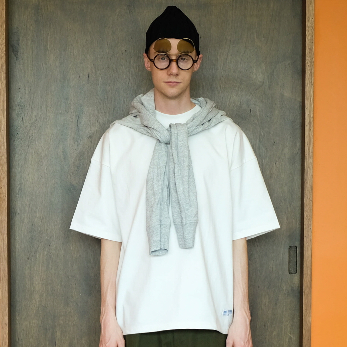 [DAILY INN] HOTEL GUEST ONLY OVERSIZED TEE 'WHITE'