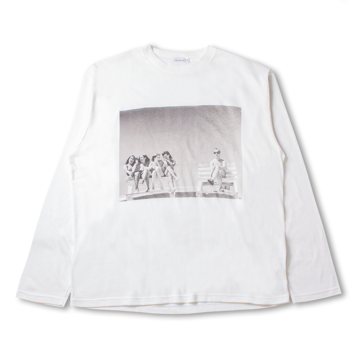 [NANAMICA] COOLMAX® GRAPHIC L/S TEE 'OFF WHITE'