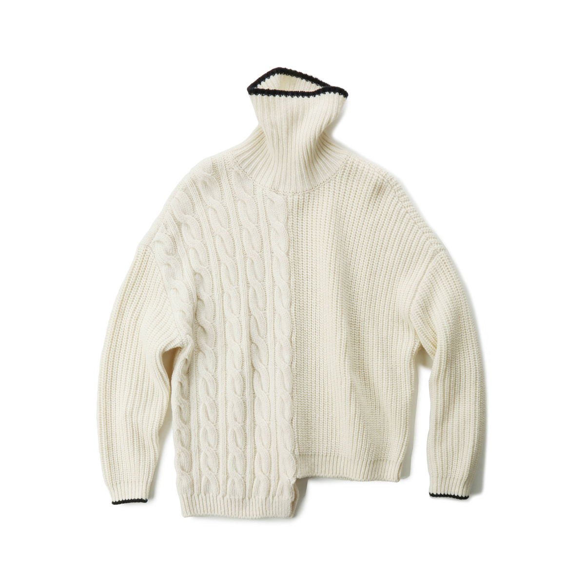 [MUSED] TRES UNBALANCED TURTLENECK SWEATER 'IVORY/NAVY'