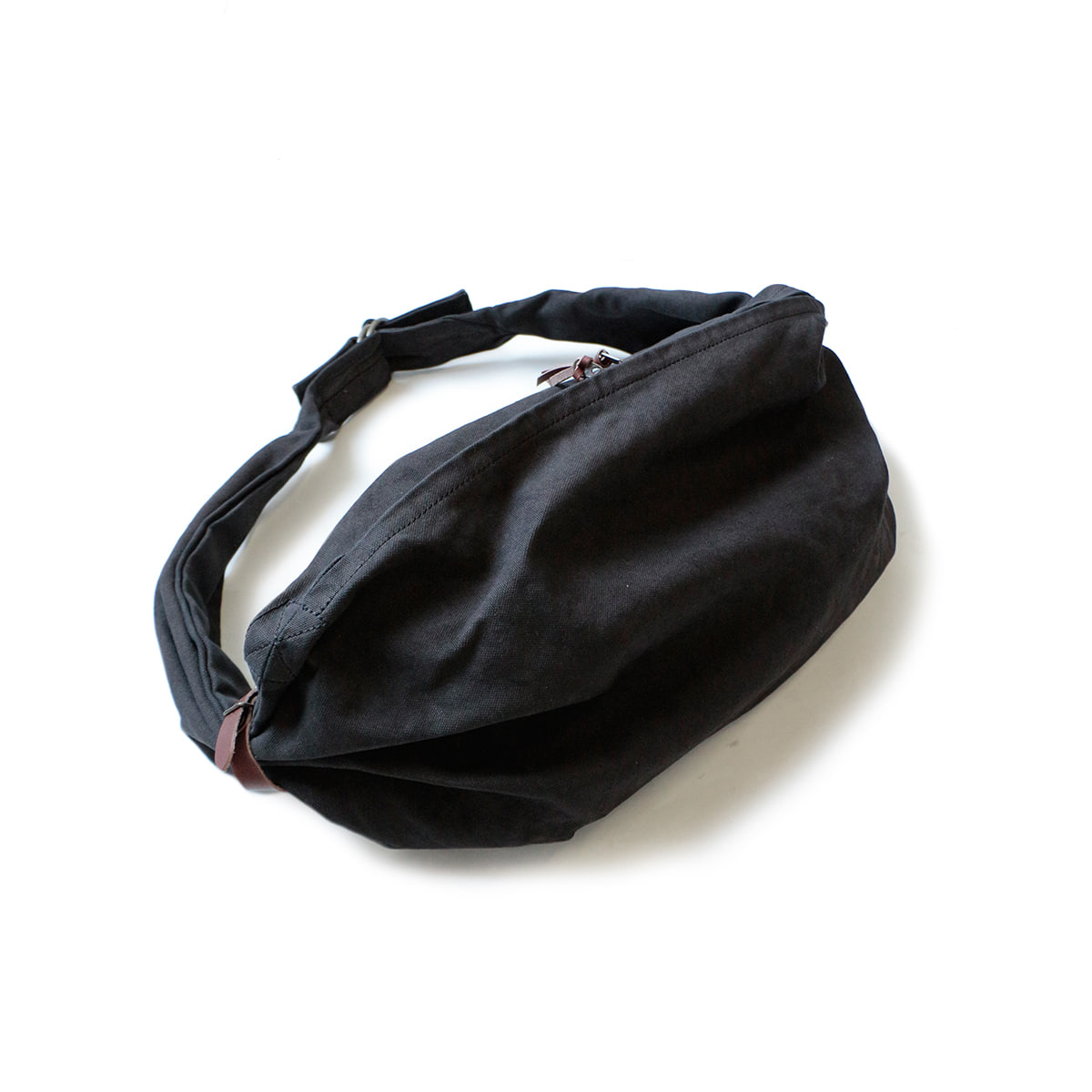 [KAPITAL] CANVAS SNUFKIN BAG 'BLK'